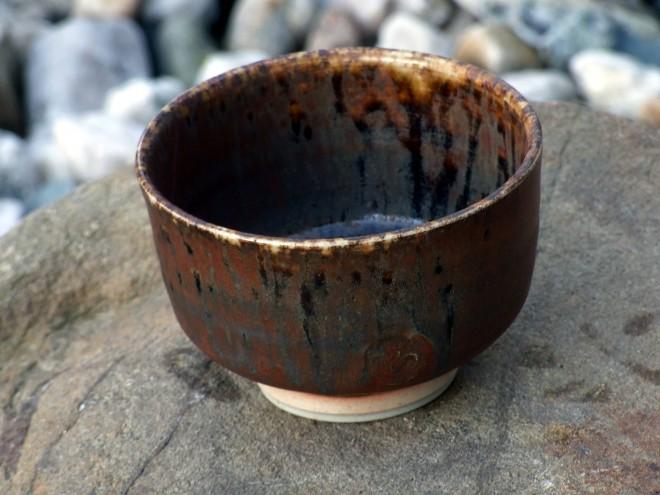 Miska čajová, porcelán, železitá glazura